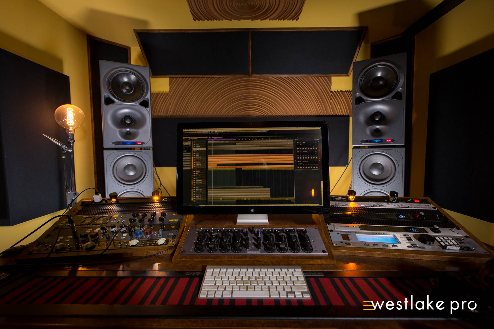Amon Tobin?s Studio