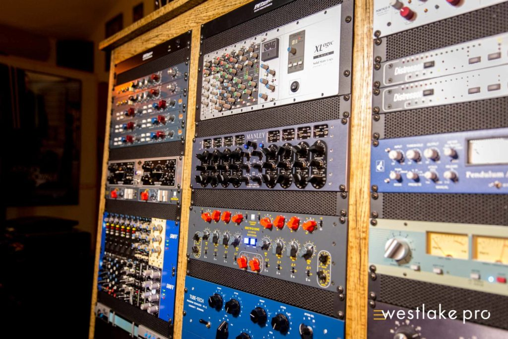 Outboard Gear at Velvet Electric